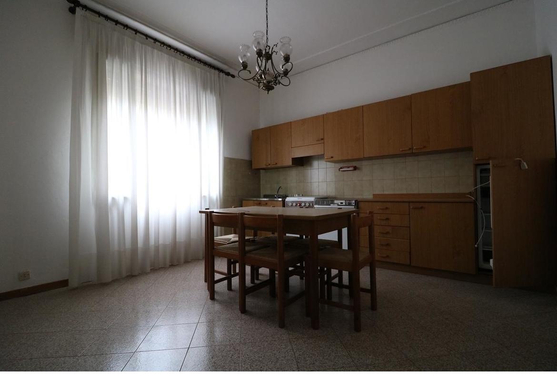 3 camere In vendita