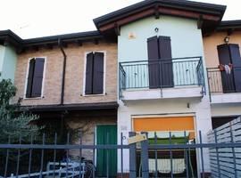 Villa a schiera centrale In vendita