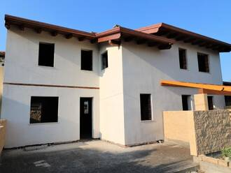 Casa Affiancata In vendita